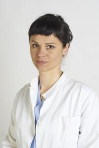 La Dottoressa Birgit Redl è esperta in trattamenti ambulatoriali e chirurgici della mano, della spalla, del polso e del gomito. Riceve ad Empoli