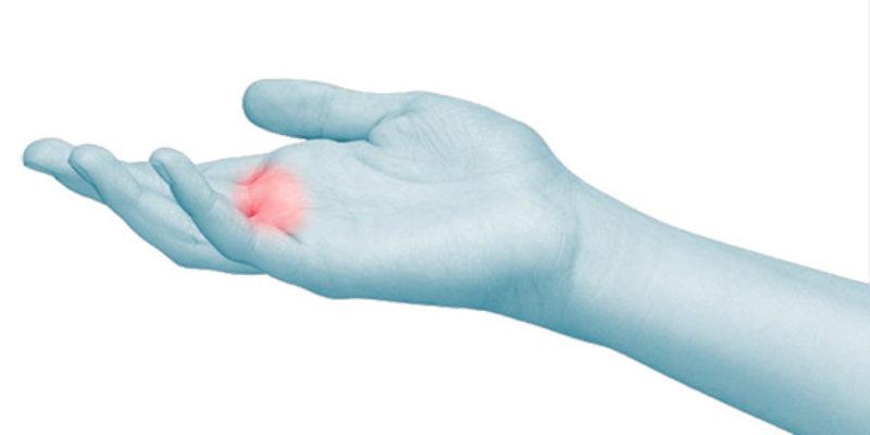 Gli specialisti dell'Arto Superiore Symcro sono esperti nel trattamento del dito a scatto. Scopri gli ambulatori in Toscana ed Emilia.