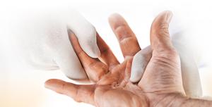 estensione della mano che porta alla naturale rottura dei noduli